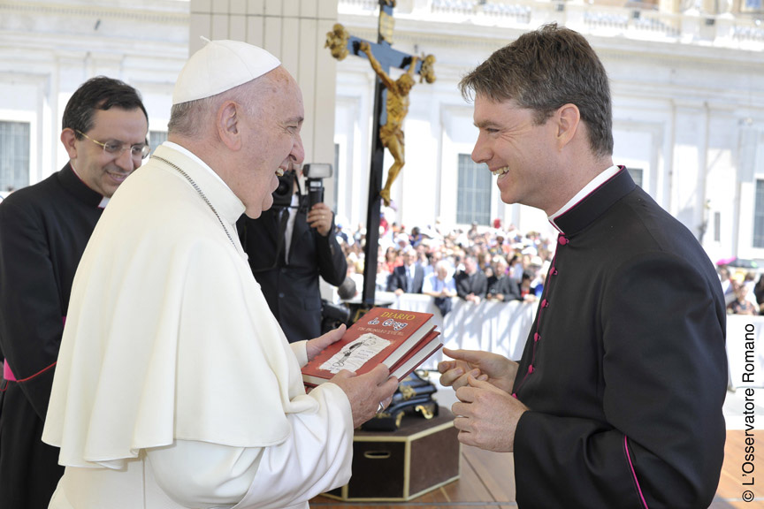 Il Papa riceve Commentarii de Inepto Puero
